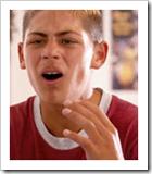 Adolescente enfadado